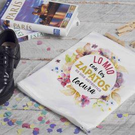 """Bolsa viaje """"Lo mío con los zapatos es una locura"""""""